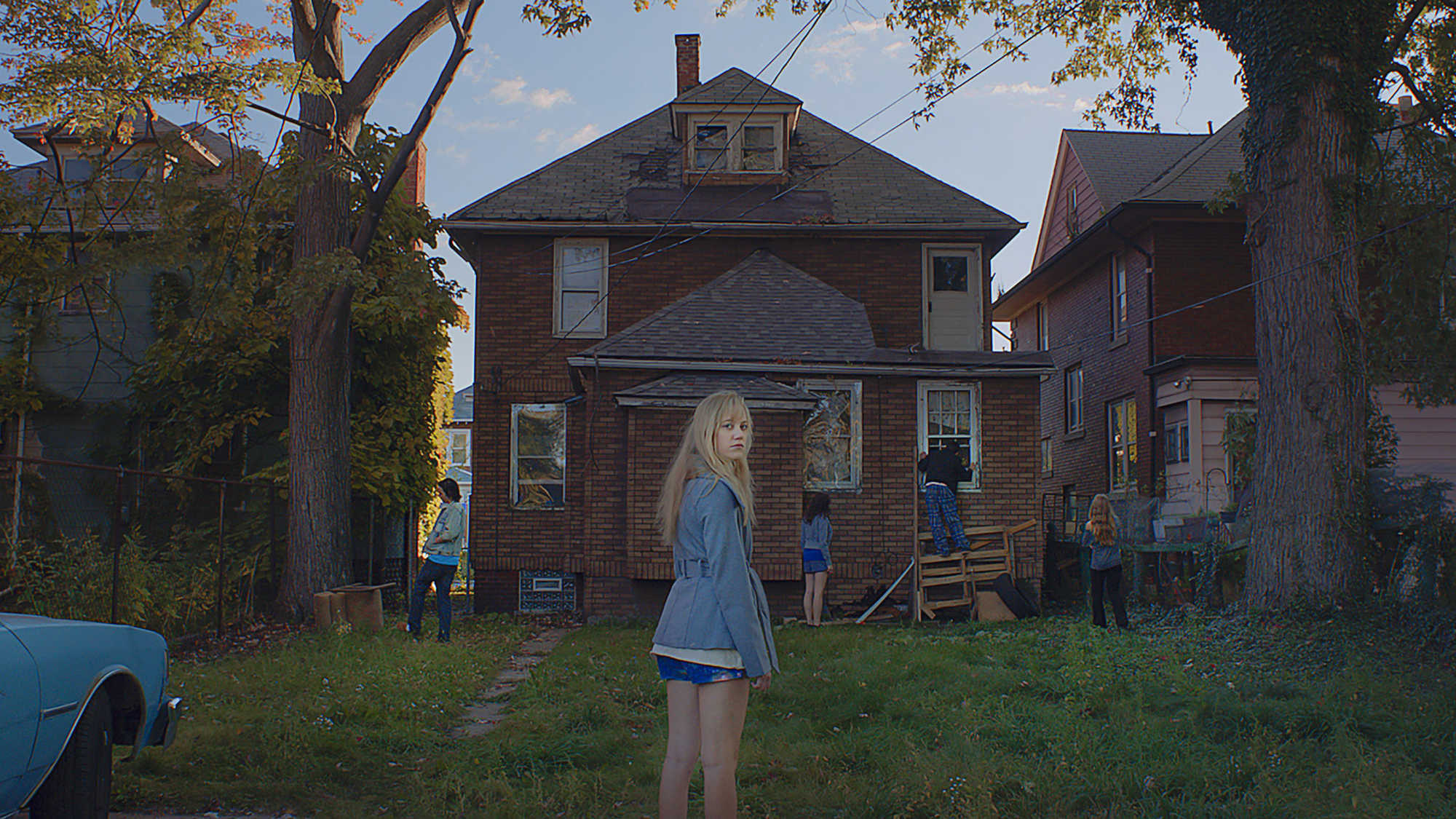 It Follows (image 1)