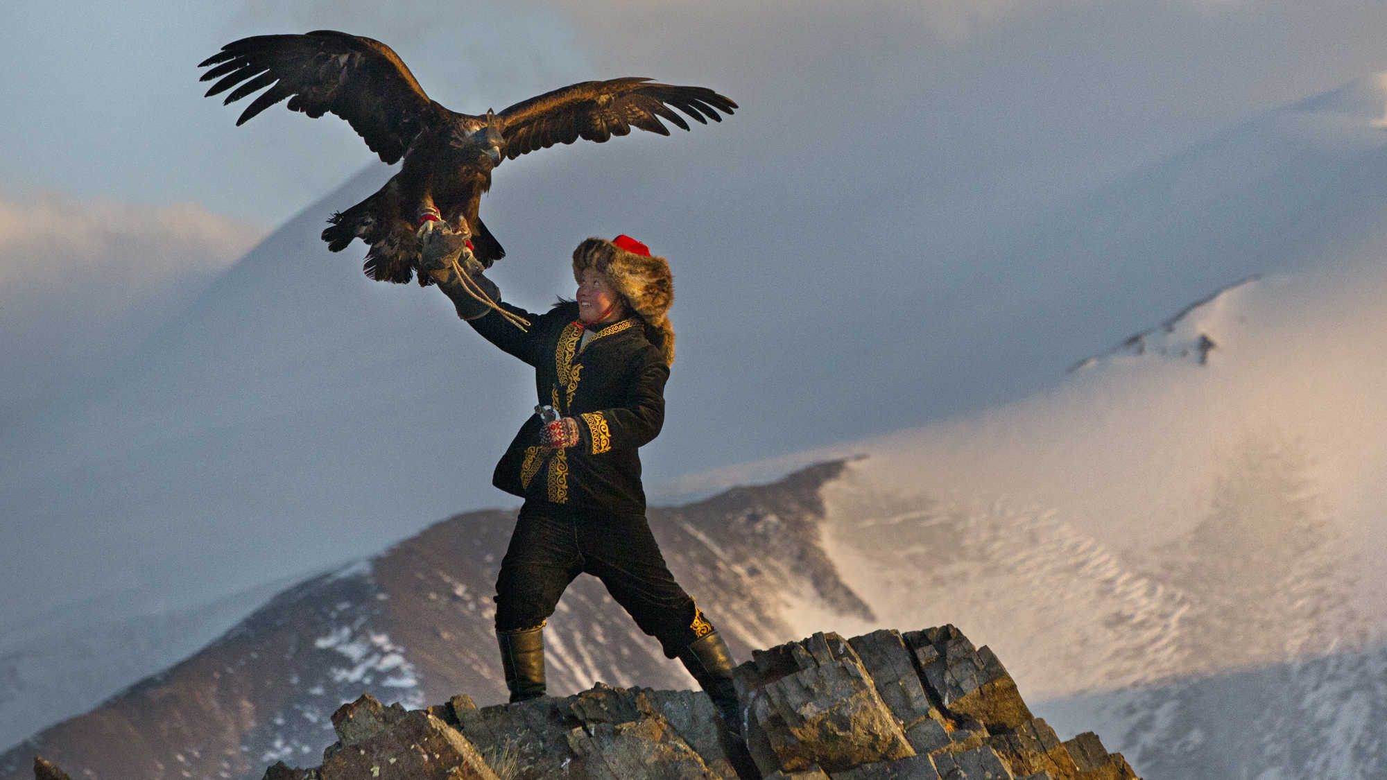 The Eagle Huntress (image 2)