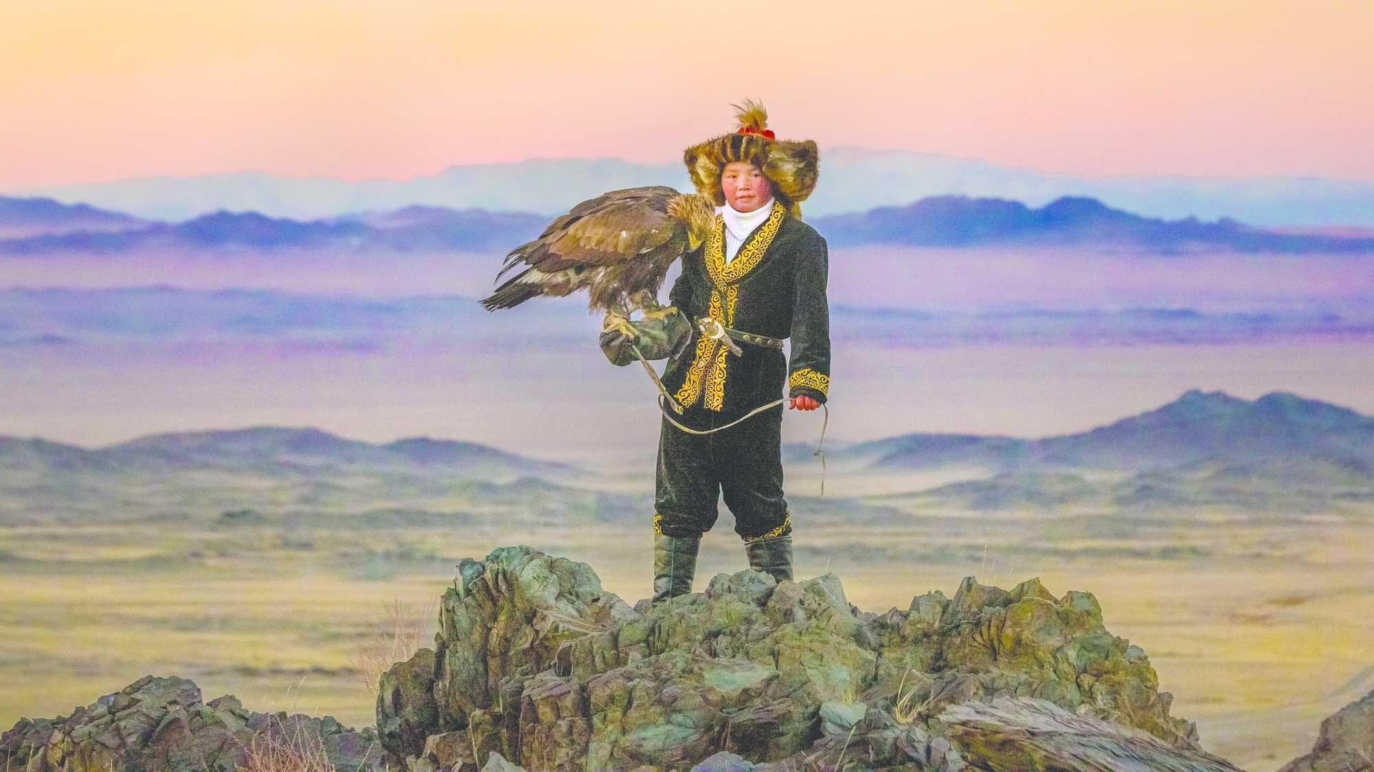 The Eagle Huntress (image 1)